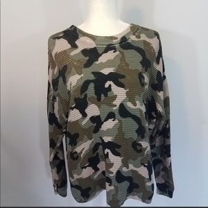 H&M divided camouflage comfy knit Flowy sweater